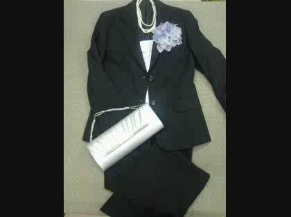 7e887965a58a1 結婚式のパンツスーツ -七月頭に友人の結婚式があります。呼ばれたこと ...