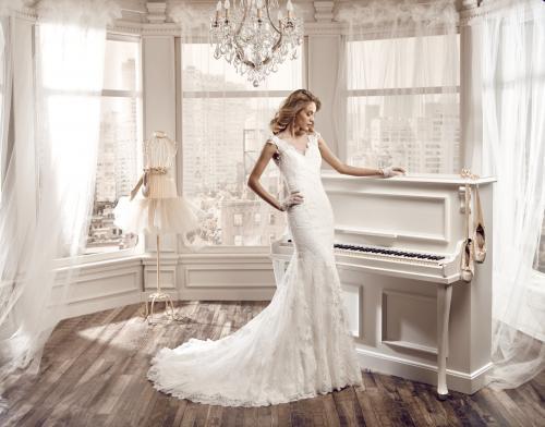 f228e9279208b ドレスのモデル写真 -ウェディングドレスのモデル写真は、何故、金髪の ...