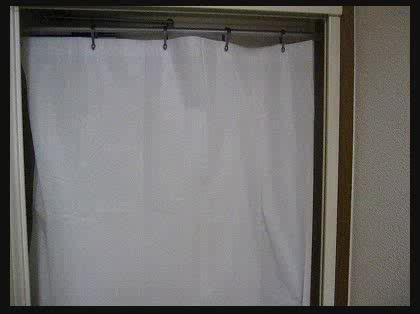 1ldkの防寒対策 玄関ドアに困っています 初めての一人暮らしを始めて
