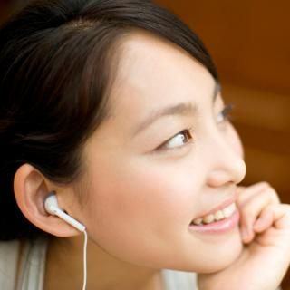 耳鼻科医が指摘!イヤホンの利用で耳にカビが生える