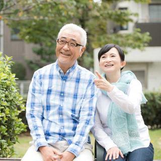 夫婦共働き、夫の定年後も妻は仕事を続けた方がお得なのか?