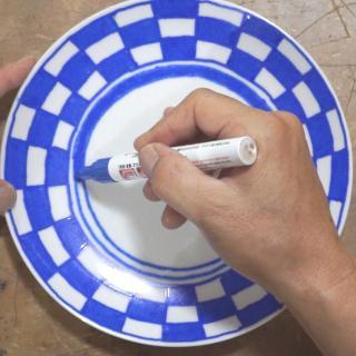 【材料費わずか216円!】100均のお皿をステキにペイントする方法