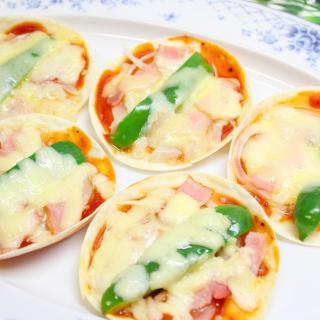 【ホームパーティーに☆】餃子の皮で簡単!タモリ流ミニミニピザ