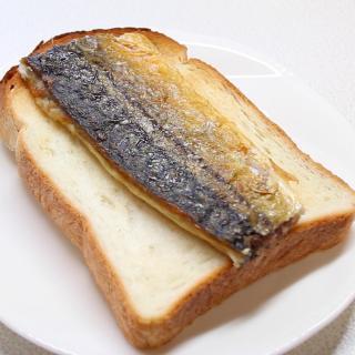 サバをトーストにオン!タモリ流絶品サバサンド