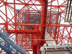 イベントは東京タワーの真下で開催された