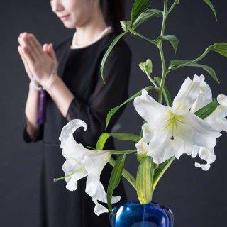 無宗教での葬儀が増えている理由と無縁墓の増加とお寺の経営