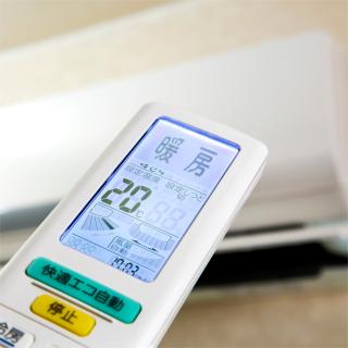 暖房の設定温度が25℃って高すぎるんでしょうか?