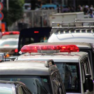 違法駐車が緊急車両を邪魔している場合の法的問題