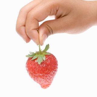 葉はとっても芯はとるな!イチゴの正しい保存方法
