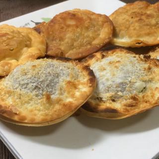 余ったカレーとパン粉で作る!餃子の皮で簡単カレーパン