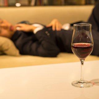 失言、暴力、女性スキャンダル――お酒による不祥事はなぜ起きるのか