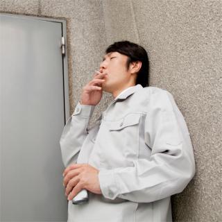 休憩時間外のタバコ休憩の是非について、法的観点で弁護士が終止符を打つ