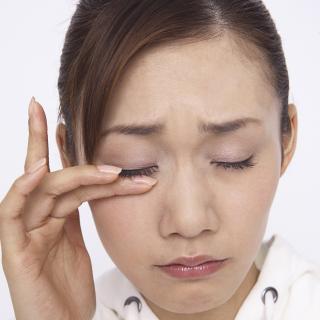くしゃみや鼻水だけが花粉症の症状ではない!花粉皮膚炎とは?