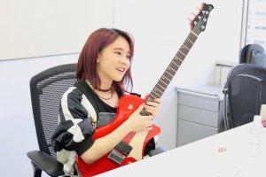 『艦これ』のエンディング曲を歌う経緯を思い返す西沢さん