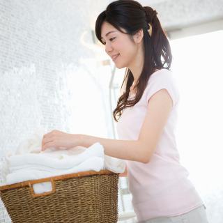 プロが教えるお風呂の残り湯利用が洗濯物のイヤな臭いの元になる理由