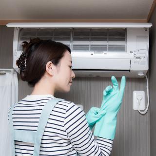 エアコンのカビ、自力で除去する際に気をつけたいこと