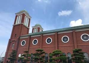 復興と希望の象徴として知られる長崎の教会・浦上天主堂が舞台