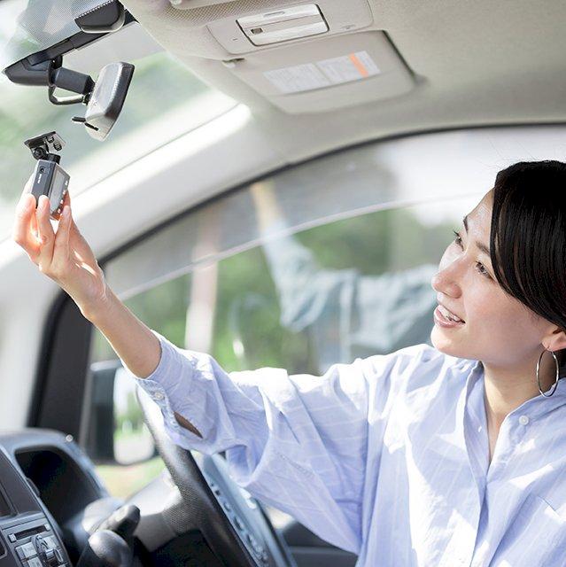 あおり運転の被害時には後続車のドライブレコーダーを提供してもらうのもアリ?