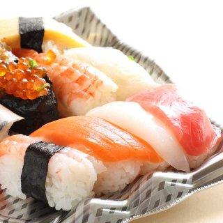 冷蔵庫に入れた残ったお寿司、パサパサになるのを防ぎ、美味しく食べるコツ