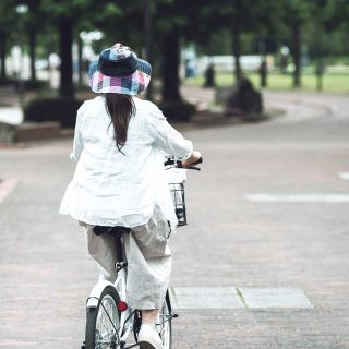 """""""我が物顔""""で歩道を通行すると罰金!?弁護士が教える自転車走行のルール"""