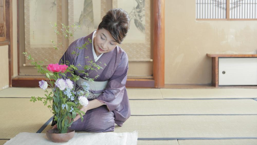 Japanese culture experience : Kado (Japanese flower arrangement)