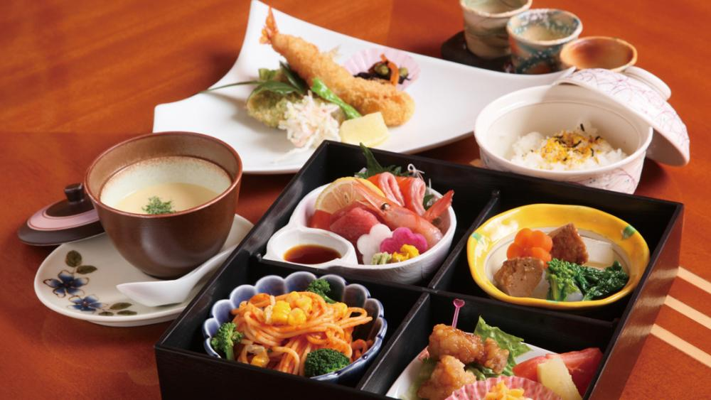 Japanese food cultures <Manners in eating Washoku (Japanese-style food)