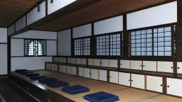 Relax in a temple with abundant Japanese sentiment! Zazen (Zen sitting meditation) experience!